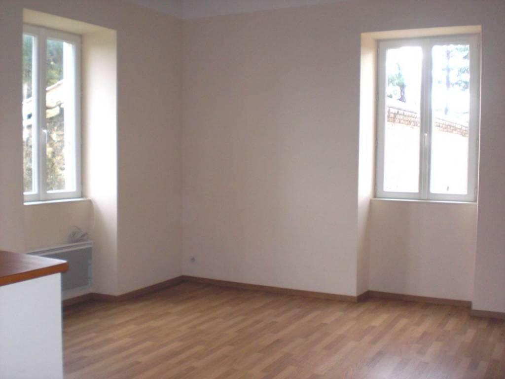 Montoison - En campagne - Appartement T 3